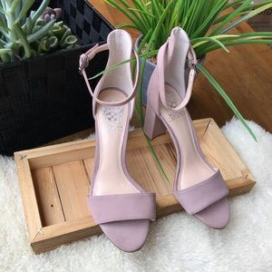 🎀🎀Vince Camuto Block heel Ankle Strap Size 7 new